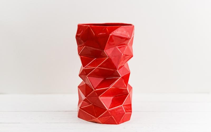 керамическая ваза ручной работы на заказ для интерьера - современный элемент декора