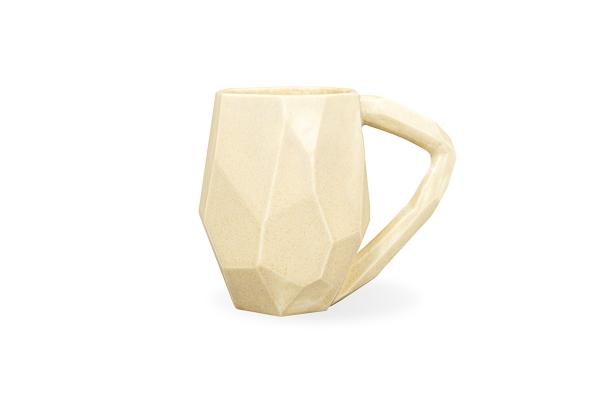 Большая граненая чашка из глины в подарок для него