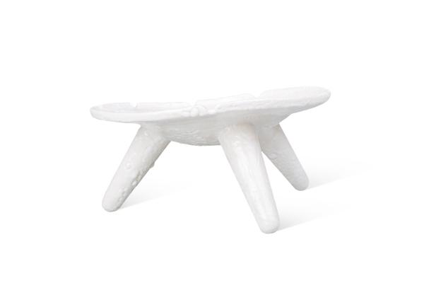 керамическое блюдо на ножках ручной работы