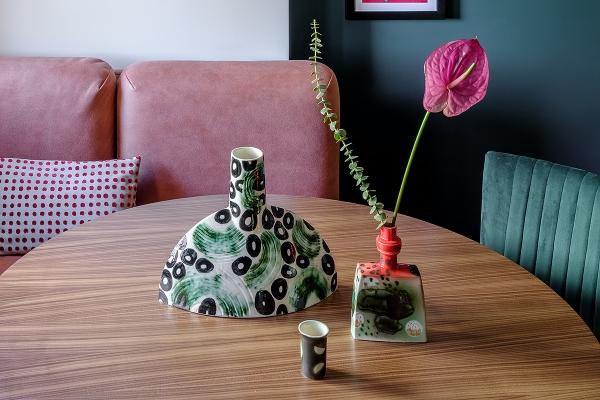 керамическая ваза ручной работы в интерьер дизайнеру на заметку